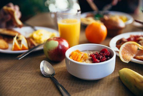 wysokobiałkowe śniadania