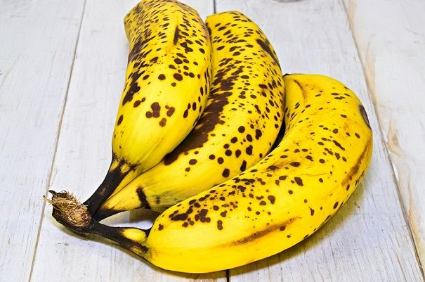 ciemne plamy na bananach