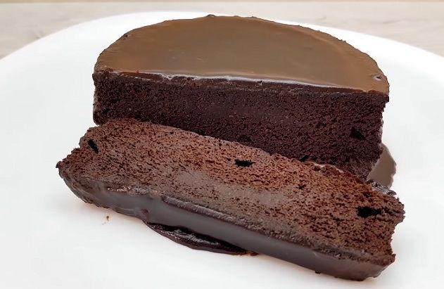 Ciasto czekoladowe bez cukru i mąki