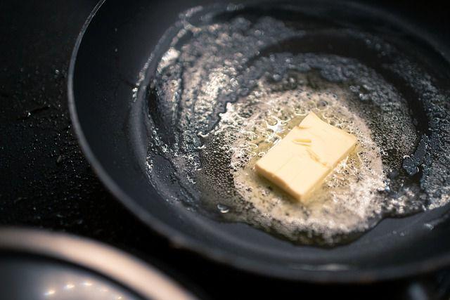 masło szybko się przypala