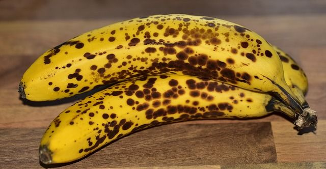 Co można zrobić z przejrzałych bananów