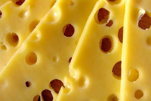 Co zrobić żeby ser był dłużej świeży